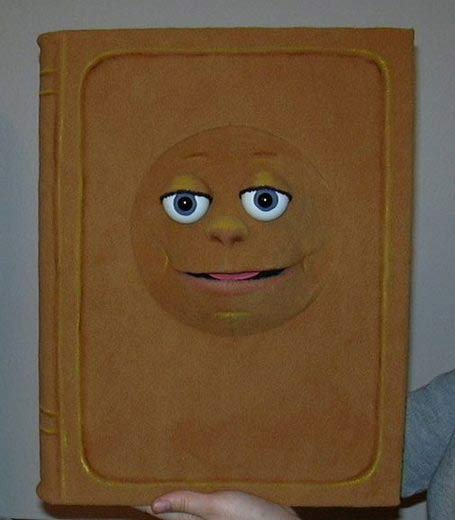 Livre ,  marionnette poupée