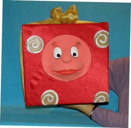 Present ,  marionnette poupée