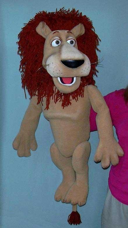Lion ,  marionnette poupée