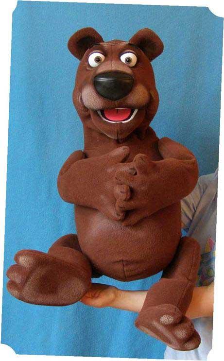Ours brun  ,  marionnette poupée