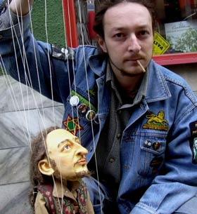 Portrait puppets