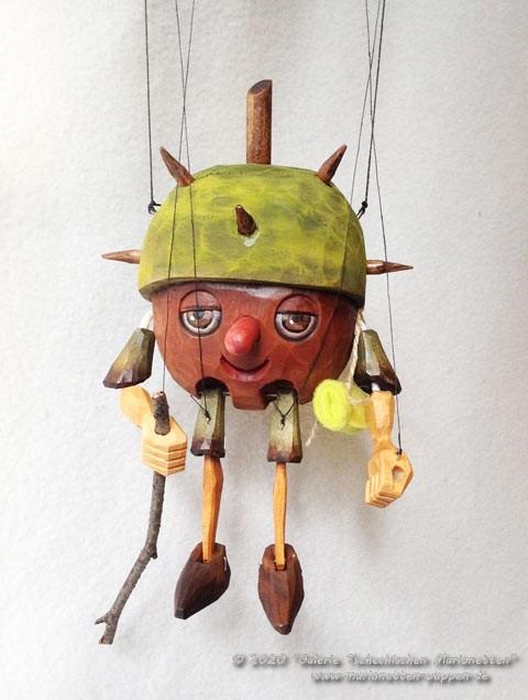 Châtaigne marionnette en bois
