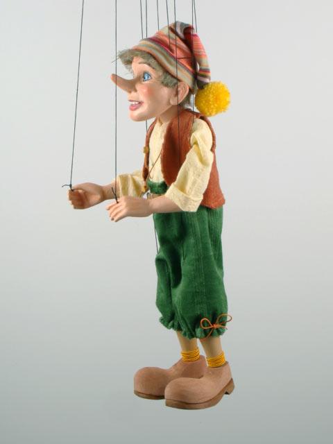 Pinocchio marionnette poupee