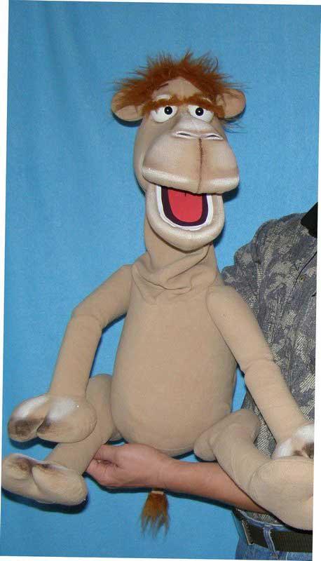 Chameau marionnette poupée