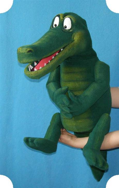 Crocodile marionnette poupée