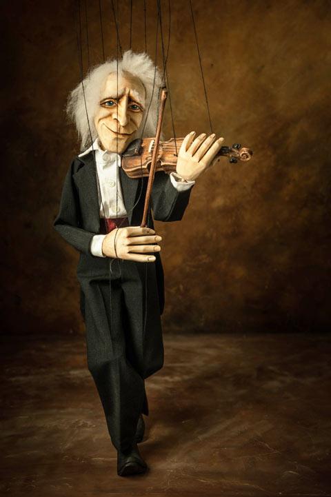 Violoniste musicien professionnel marionnette
