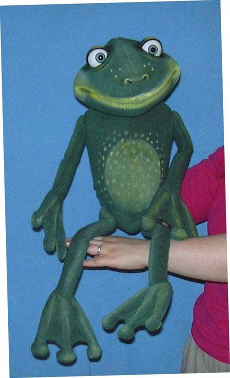 Grenouille marionnette poupée