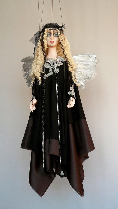 Noir Ange marionnette poupée